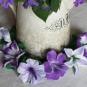 Blüten in lila, weiß und grün