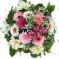 Strauß mit Filzblüten und echten Blumen