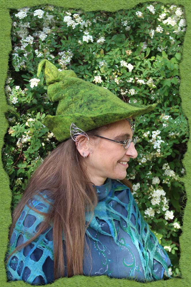 Schnittiger grüner Filzzauberhut 1