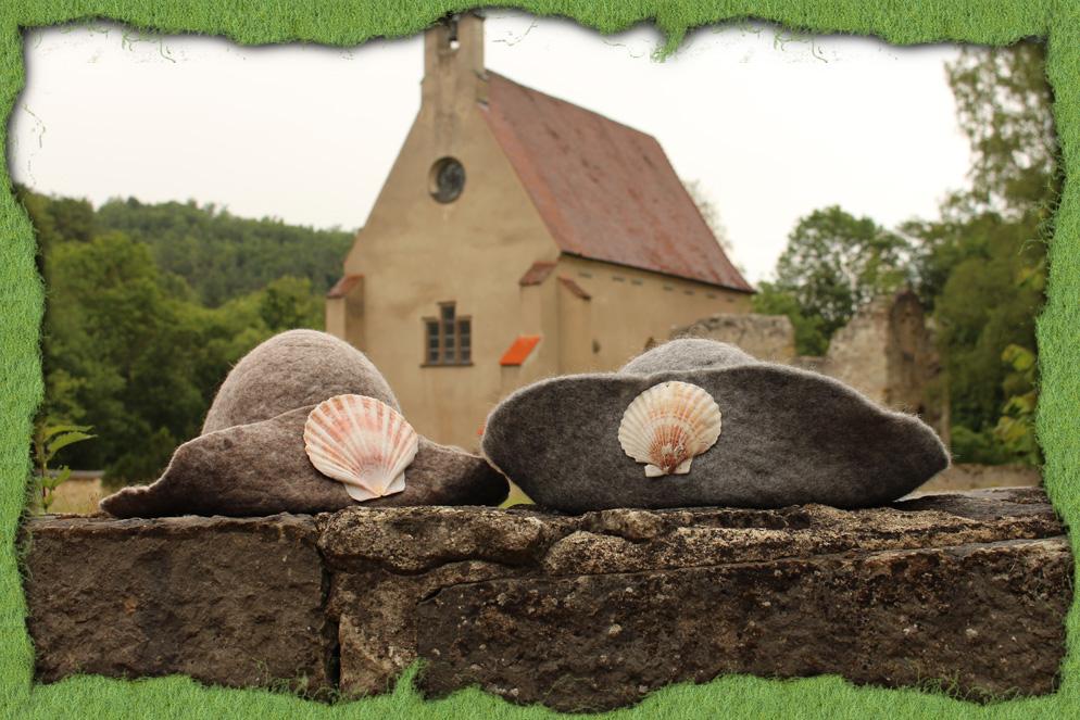 Pilgerhüte am Kartäuserkloster 3