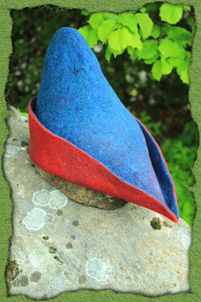 Bycocket aus Filz in rot und blau 2