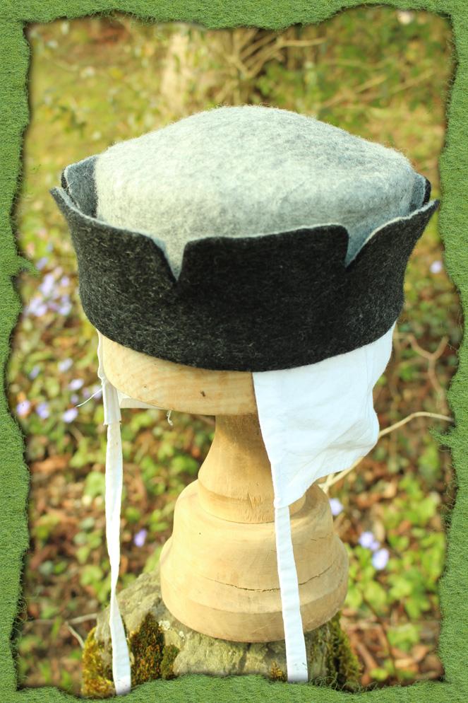 Grau-schwarzer Zinnenhut