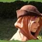 Spitzhut über Gugel getragen 2