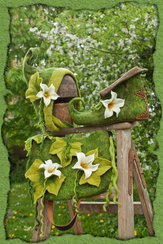 Waldelfen-Ensemble mit weißen Blüten
