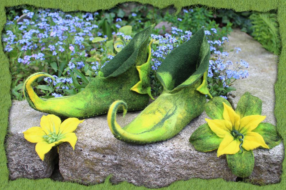 Grüne Elfen-Schuhe mit Blatt